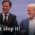 Dutch Prime Minister Rutte forgets his own Coronavirus advice | DW News