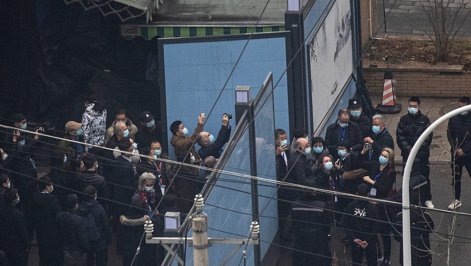 WHO team tours Wuhan market linked to COVID-19 outbreak